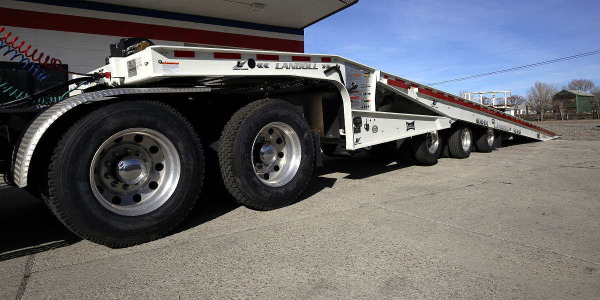 Lo-Bed Traveling Axle Trailer